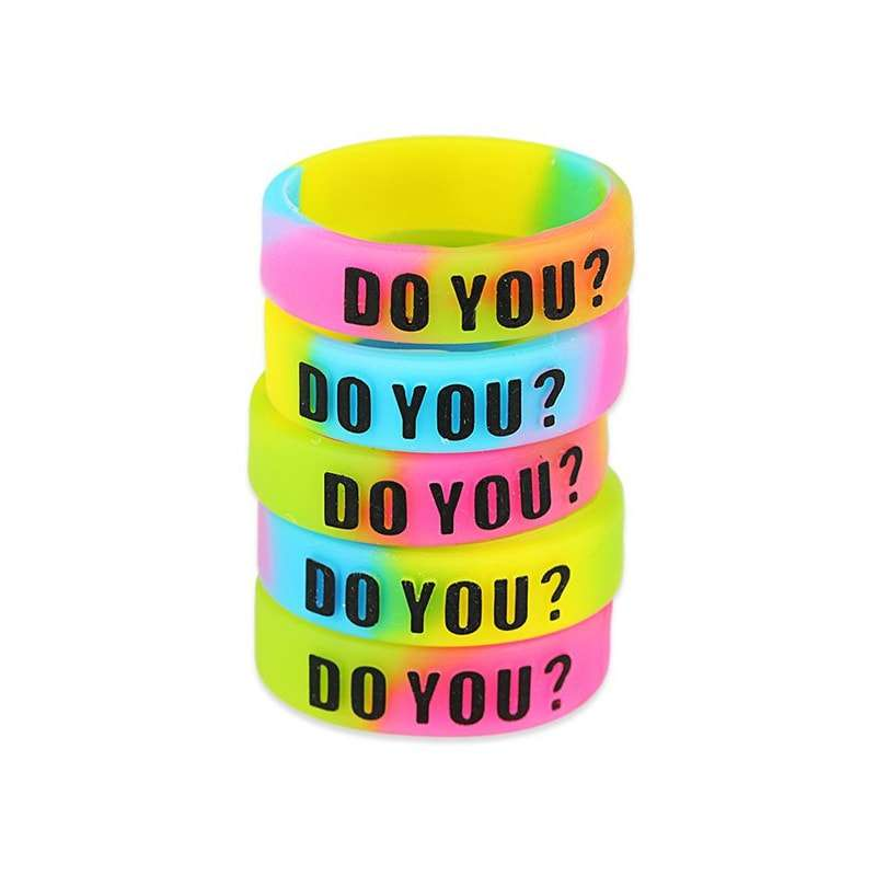 5pcs-decorative-silicone-ring-with-protruding-letters